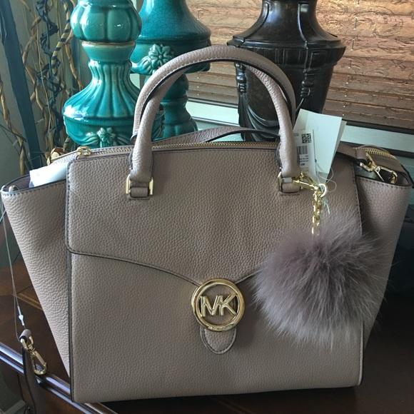 f3ebbce85b15 MICHAEL Michael Kors Bags